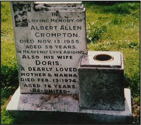 Private Albert Crompton's headstone
